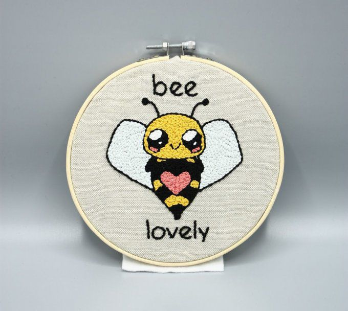 Broderie Bee Lovely